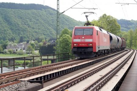 Gueterverkehr Zug Bahn